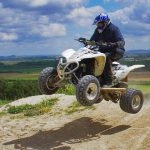 Condiții de siguranță care ar trebui luate atunci când conduceți un ATV