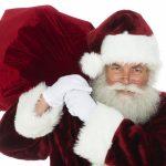 Un Moș Crăciun cu experiență sau rude/prieteni deghizați