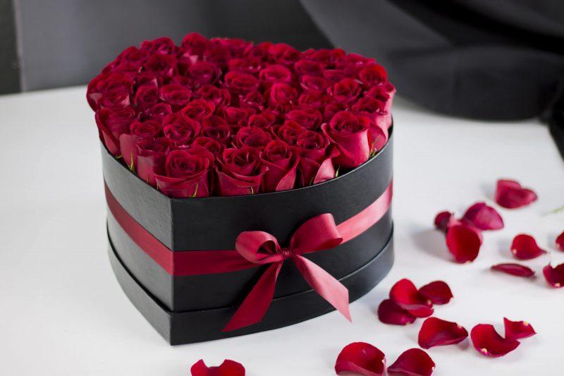 cutie decorativa flori