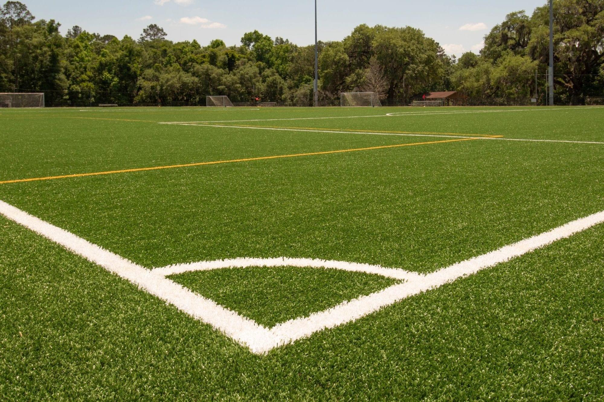 Gazonul artificial – o opțiune tot mai căutată în rândul terenurilor sportive