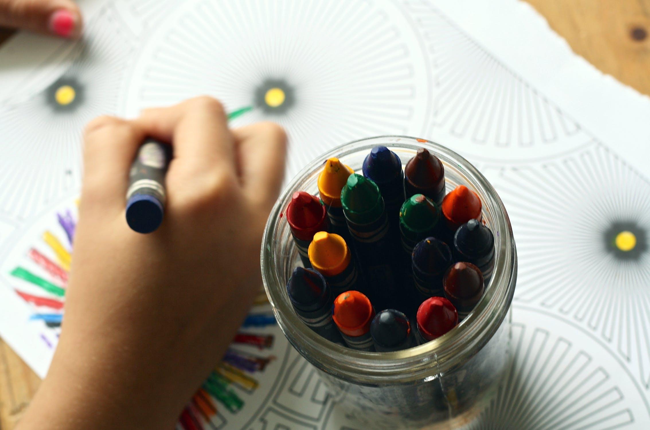 Avantajele folosirii unor kituri de pictura pe numere