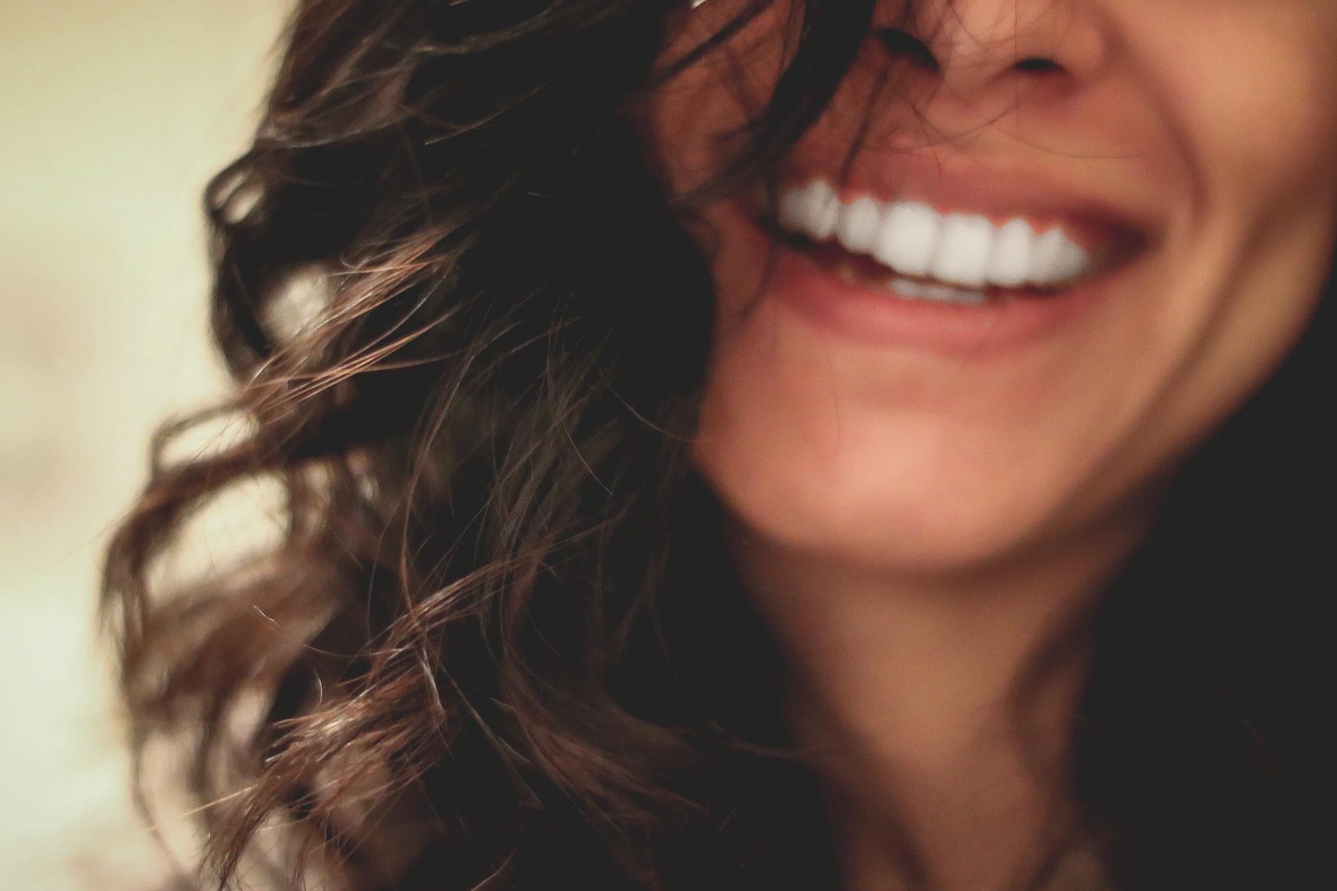 Totul despre cariile dentare: cum le tratăm?
